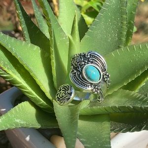 Turquoise antique silvertone statement ring